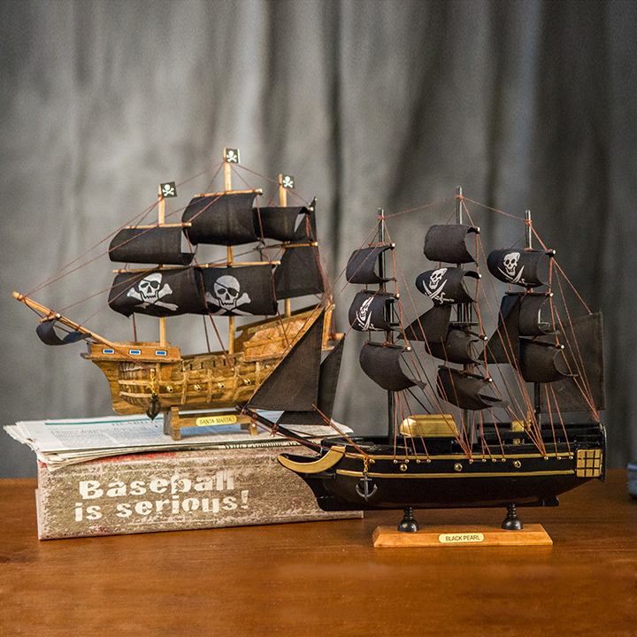 thuyền buồm gỗ để bàn