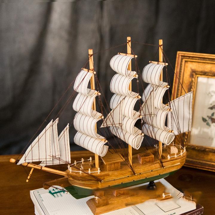 thuyền buồm gỗ làm tay