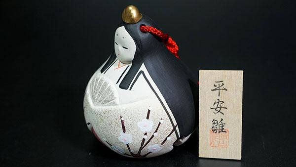 búp bê vua và hoàng nhậu bằng gốm