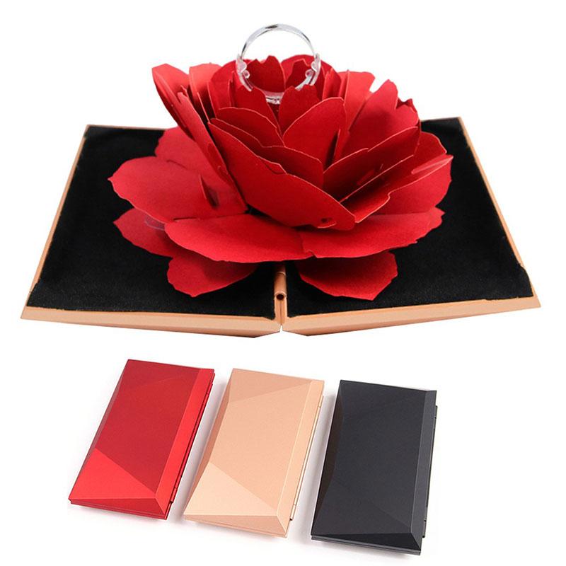 hộp nhẫn hoa hồng