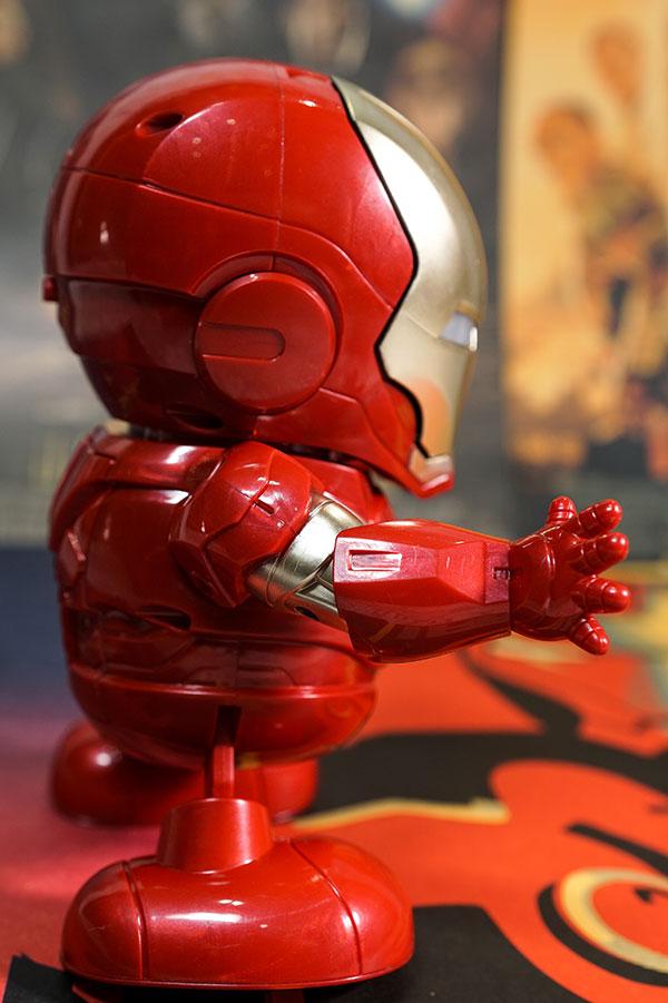 robot ironman nhảy múa - dance hero