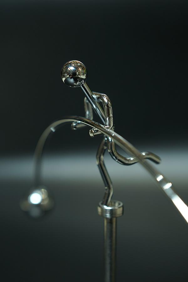 Đồ chơi Động lực học - Người cân bằng đế cao (Perpetual Movement Balance Art)