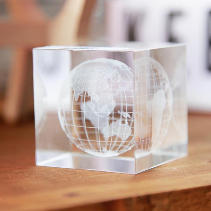 pha lê địa cầu 3D
